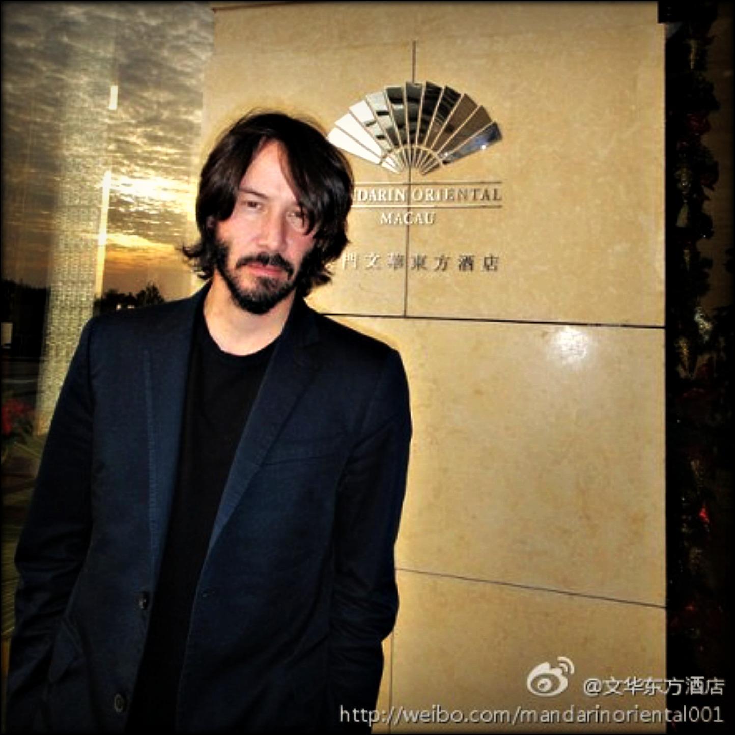 http://1.bp.blogspot.com/-LJ9vt9kPrN8/Tr7SOEI1WMI/AAAAAAAAAbI/Lul87BwnhFg/s1600/keanu+12-11-2011+Beijing+445995943%2528PRCM%2529.jpg