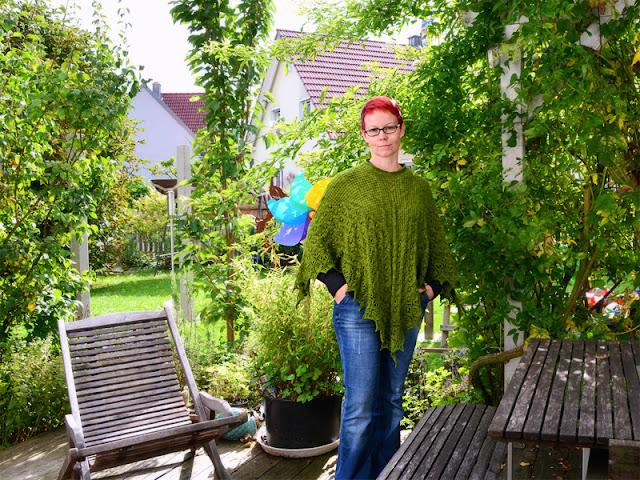 Laminaria squared - ein Poncho zum MeMadeMittwoch bei frauvau.blogspot.de