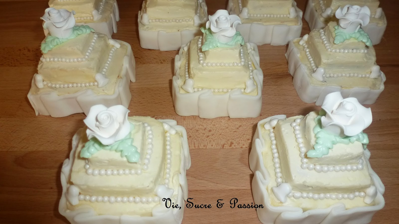 Individual cakes (wedding anniversary)