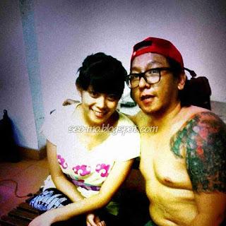 Foto Mesra Mario Maulana Dengan Istrinya