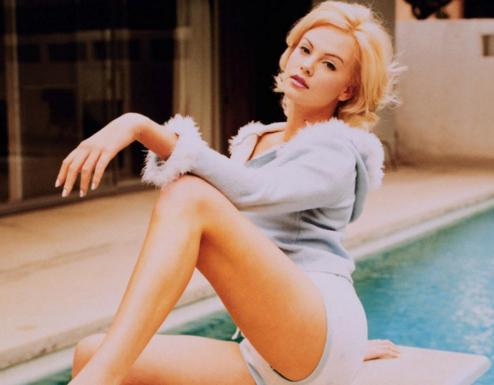 Beautiful Hot Sexy Fashion Model Hollywood Actress Charlize Theron