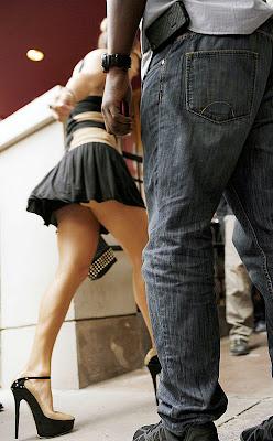 J Lo's legs Upskirt