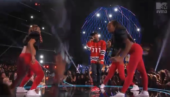 Illuminati Symbolism in 2013 MTV VMA Award Show