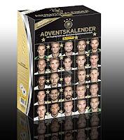 http://www.amazon.de/Deutsche-Nationalmannschaft-2015-Fu%C3%9Fball-Adventskalender/dp/B0158OUN9A/ref=sr_1_5?s=toys&ie=UTF8&qid=1447603762&sr=1-5&keywords=adventskalender+m%C3%A4nner
