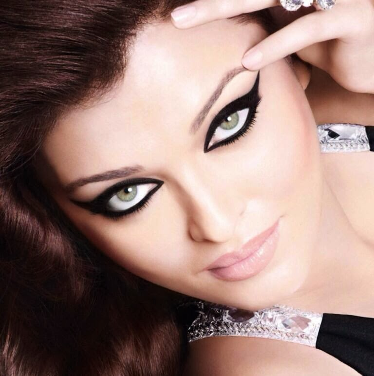 Aishwarya's kajal is way more intense than the actual product!