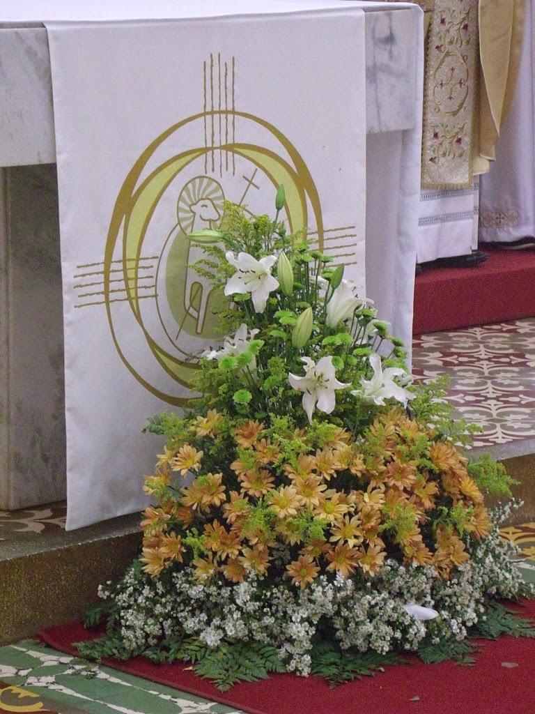 Imagens da Santa Missa do Domingo de Pascoa na Igreja do SCJ