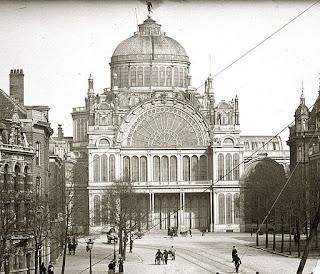 foto van het Paleis voor Volksvlijt in Amsterdam