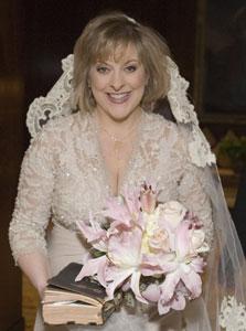 http://1.bp.blogspot.com/-LKguniTOYik/Tg3gA0ZGclI/AAAAAAAABXo/XroWVjJdcaQ/s1600/nancy-grace-wedding.jpg