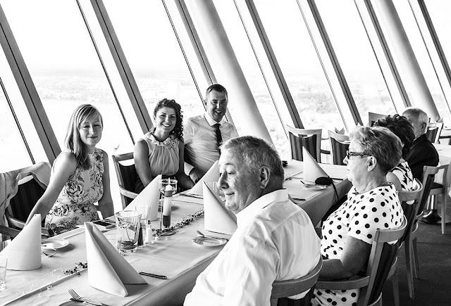 Hochzeitsfeier im Rheinturm Düsseldorf