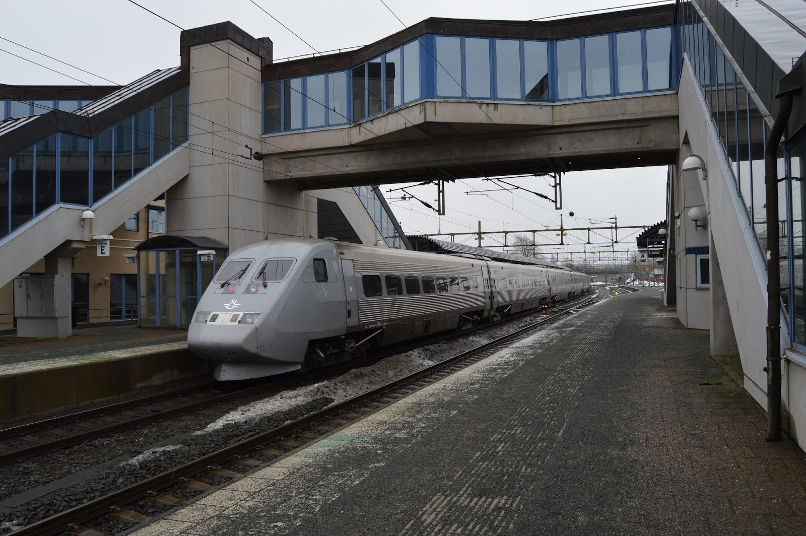 tåg stockholm halmstad