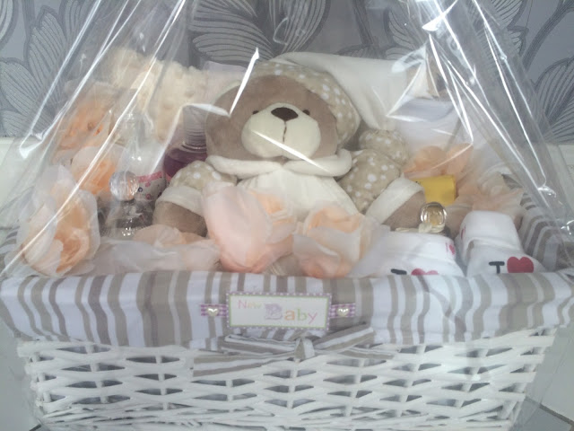 homemade, baby shower, hamper, hand made, personalised, basket, cellophane, gift, teddy bear, blanker, bibs, lights, candle, body shower cream, soap,
