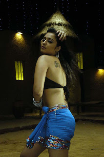 Hot Sout Indian Actress Nikitha spicy photo gallery1