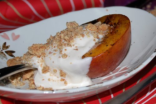 carolynn's recipe box: Grilled Peaches and Cream