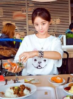 Kaos Cewek Korea