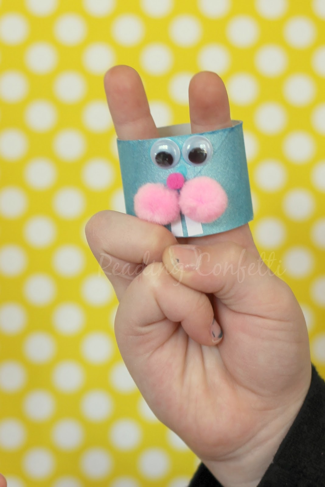 Bunny finger puppets - easy to make and perfect for practicing early literacy skills!