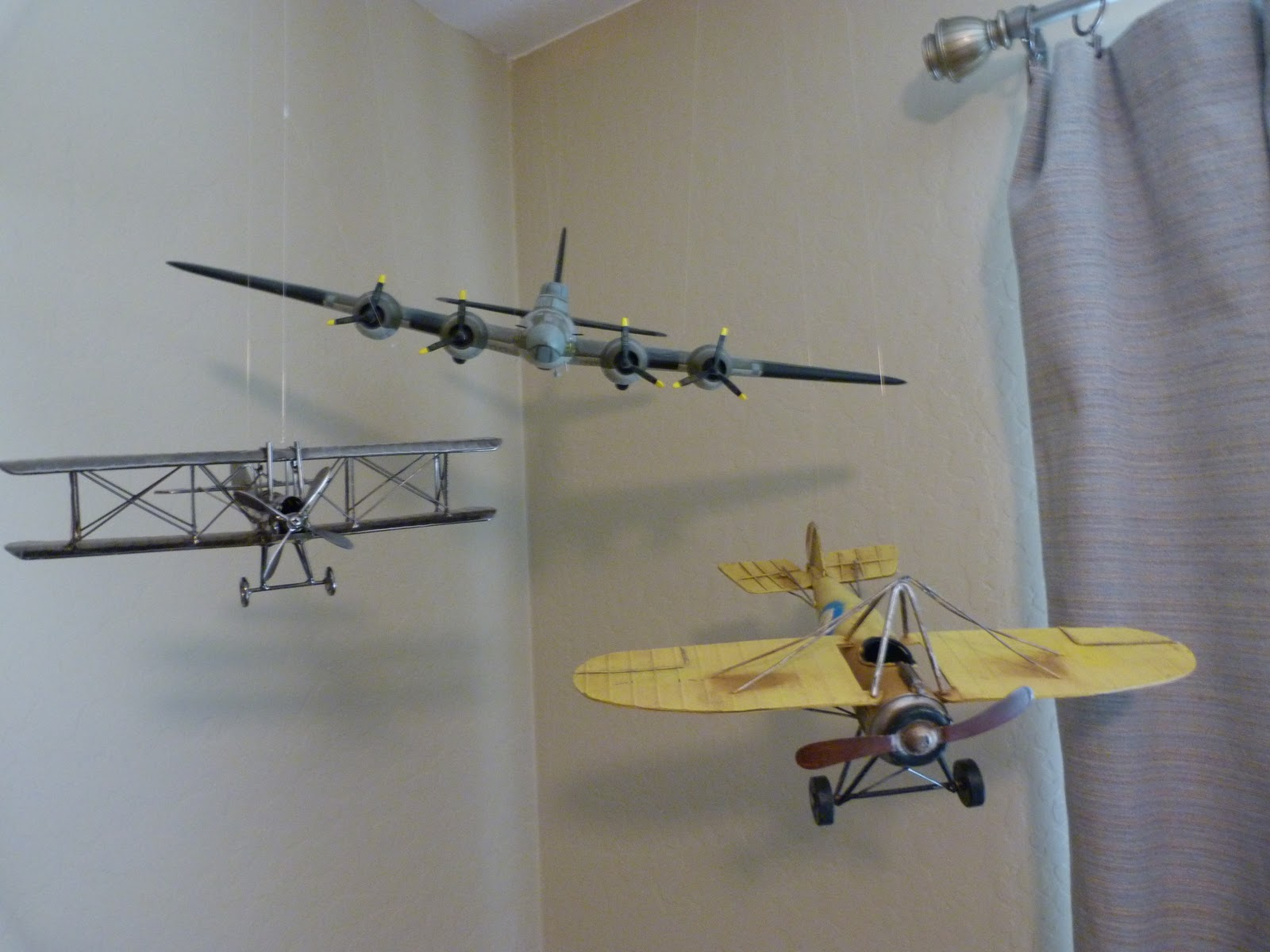 Vintage airplane decor nursery the for Airplane decoration