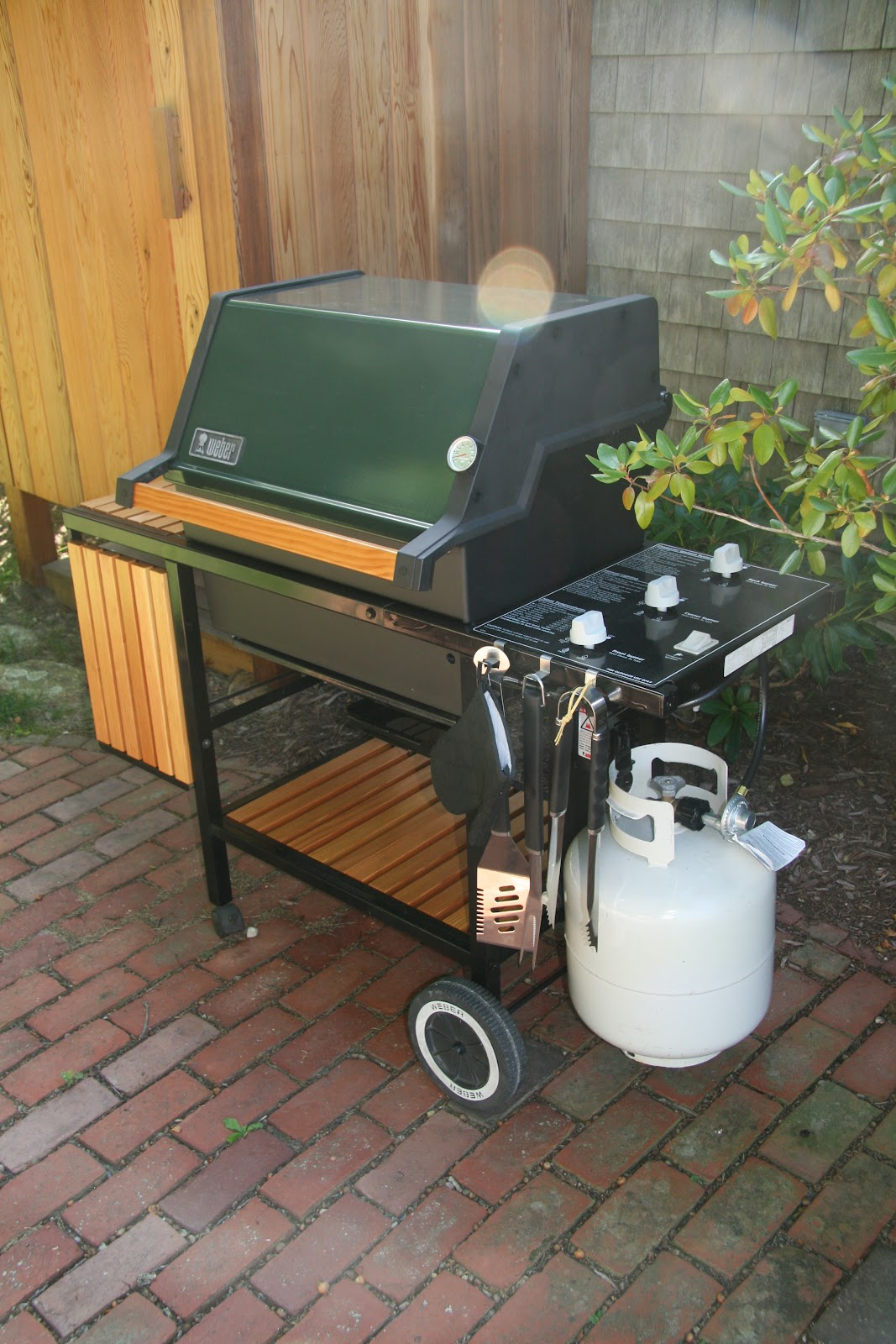 an old farm restoring a vintage weber grill. Black Bedroom Furniture Sets. Home Design Ideas