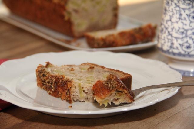 craquez sans conséquence: cake rustique à la rhubarbe, aux fleurs