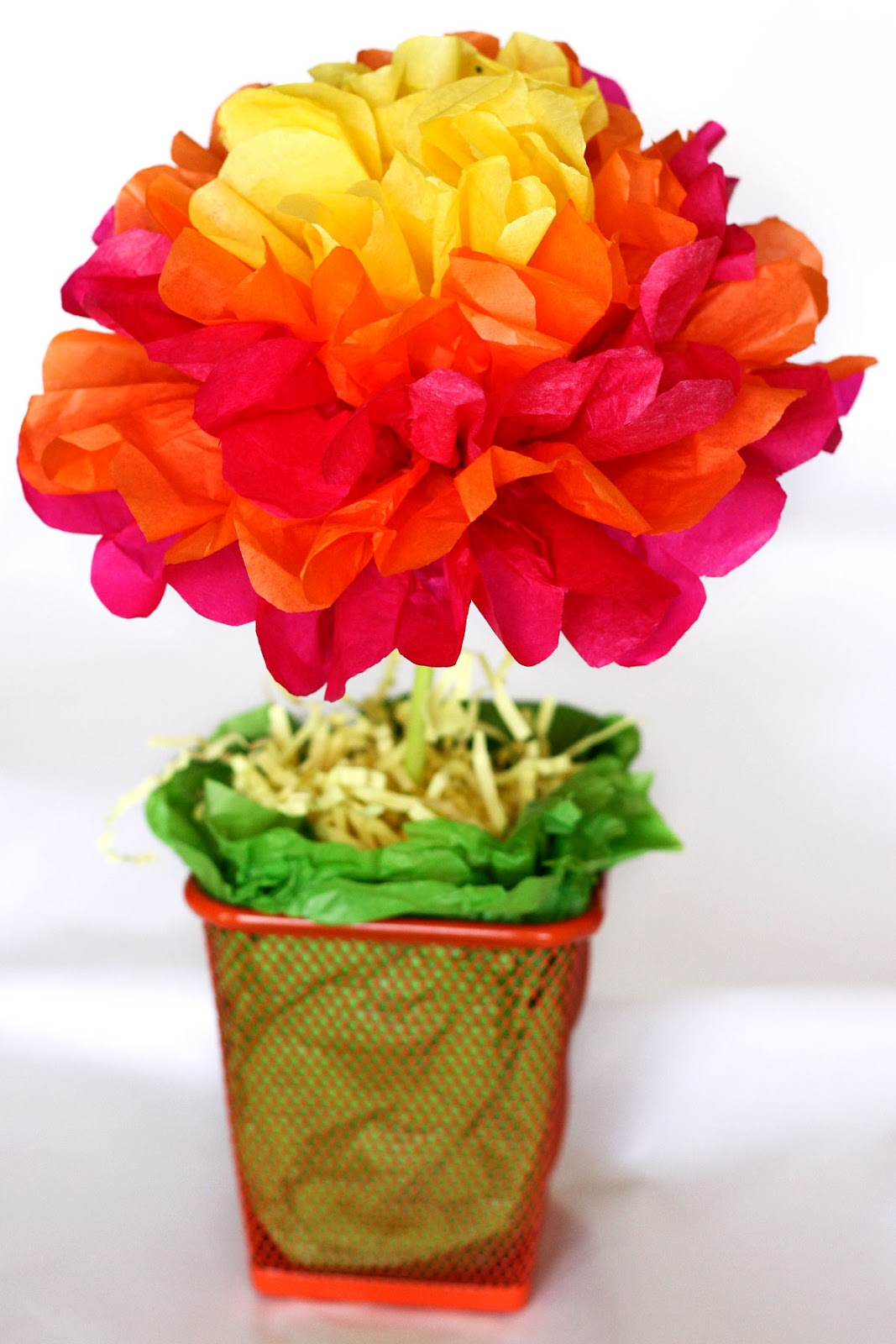One crafty mama easy tissue paper flower centerpieces tutorial this year i created these super easy tissue paper flower centerpieces for a mere 100 a piece mightylinksfo