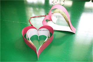 hanging paper heart tutorial for Valentine decoration