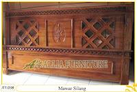 Tempat tidur ukiran kayu jati Mawar Silang