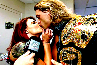 edge and lita kiss