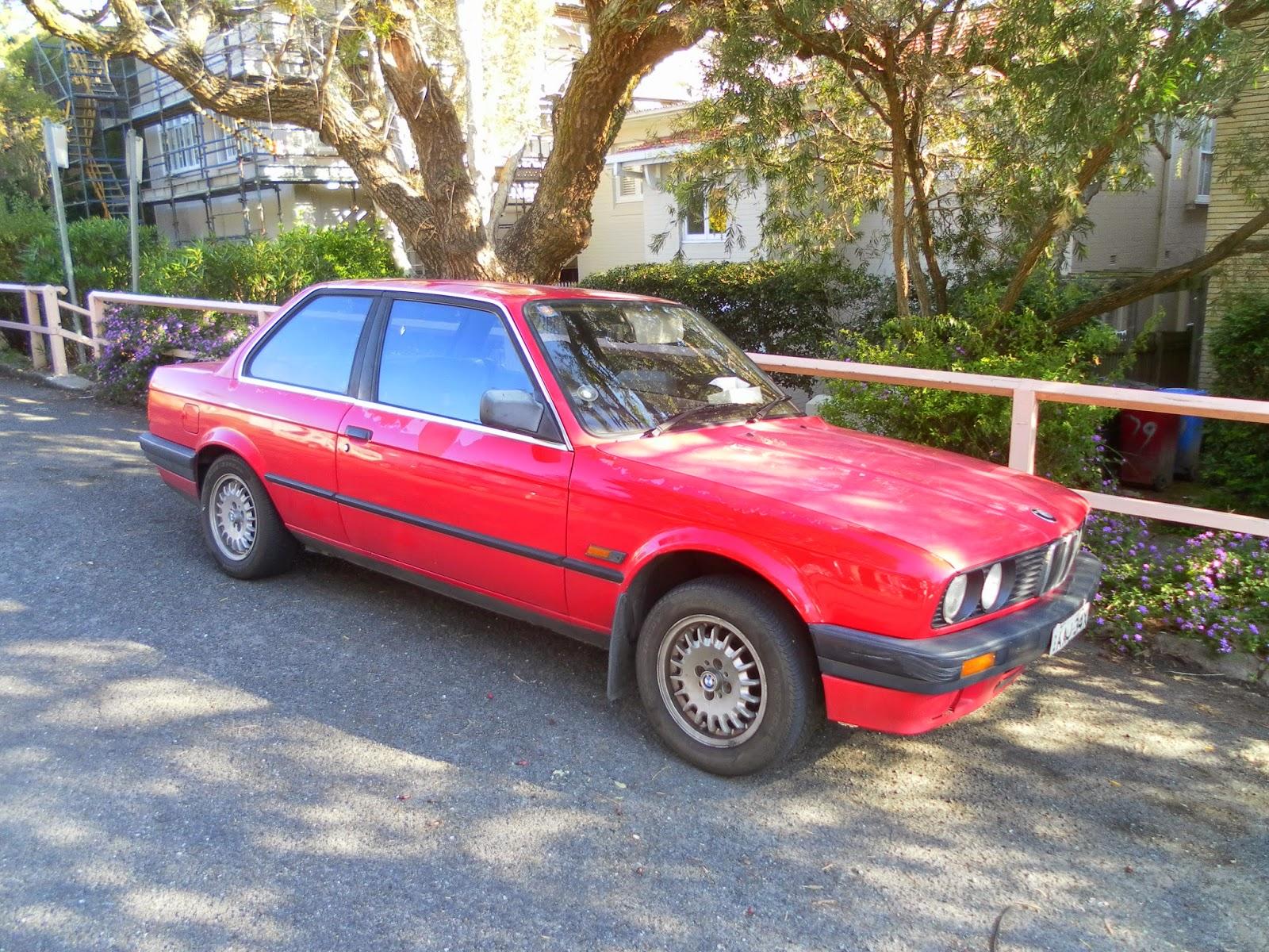 Aussie Old Parked Cars BMW I Door Sedan E - Bmw 318i 2 door