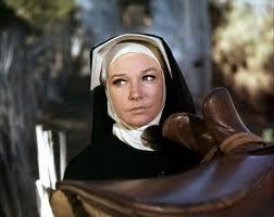 """Shirley MacLaine en """"Dos Mulas Y Una Mujer"""""""