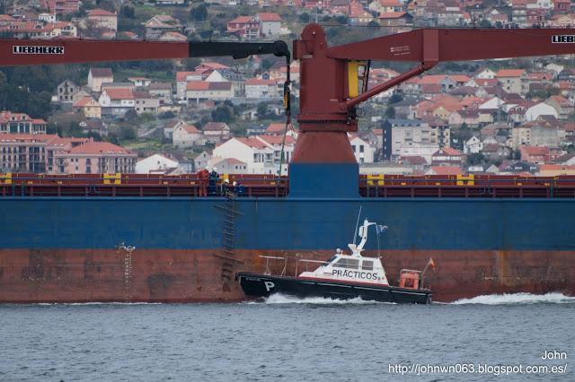 paz navigator, cargo ship, puerto de vigo, photos ships