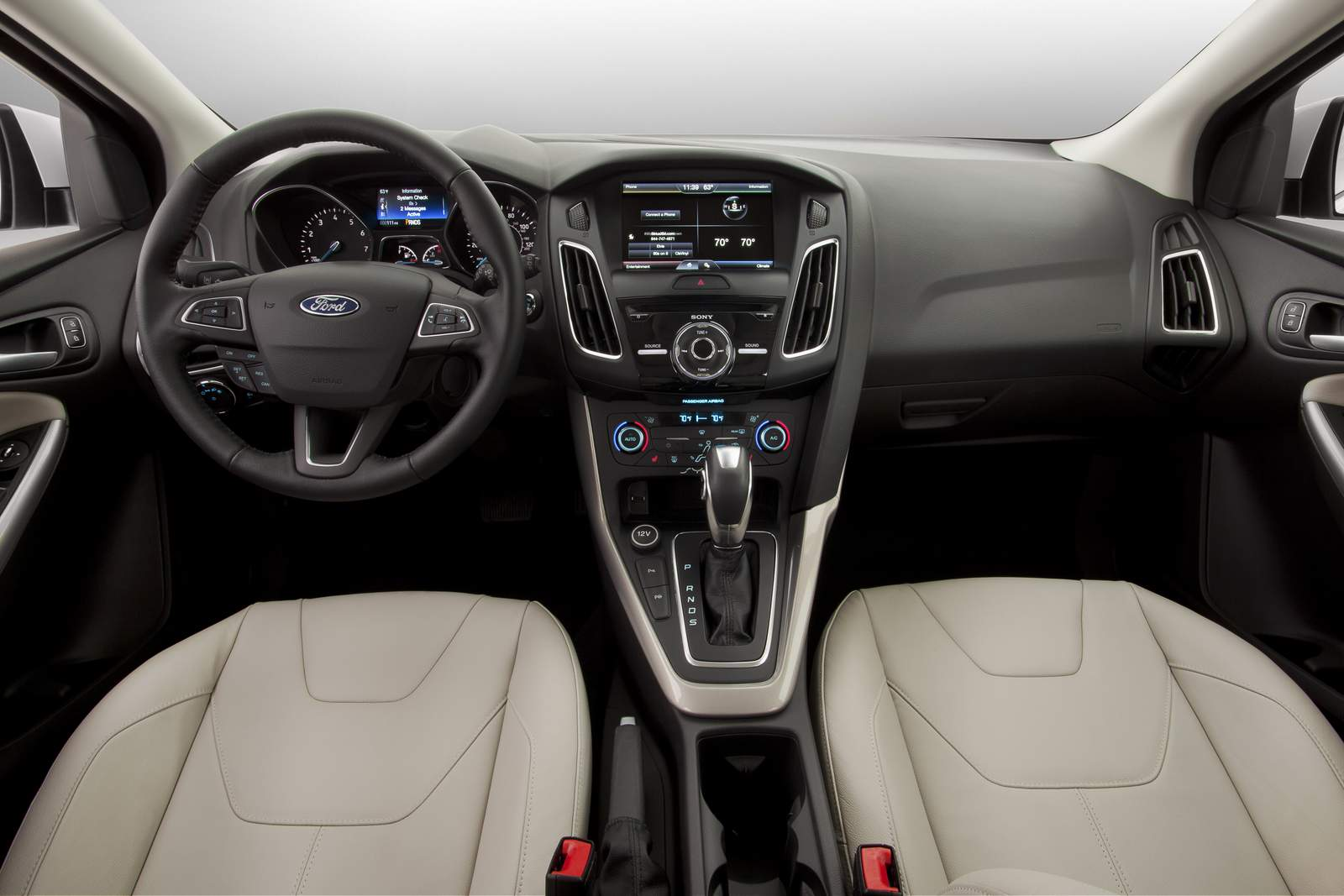 Novo Focus Sedan 2015 - interior
