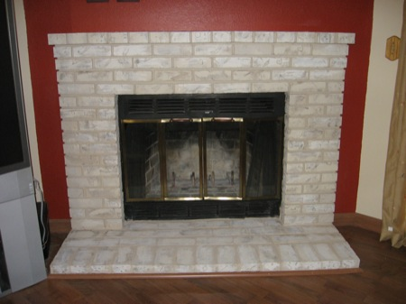 Fireplace Decorating: Fireplace Paint That Can Renew Your Brick