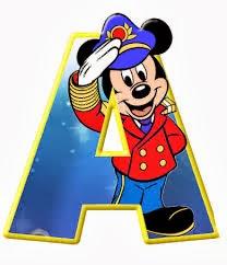 Alfabeto de personajes Disney con letras grandes A Mickey capitán.
