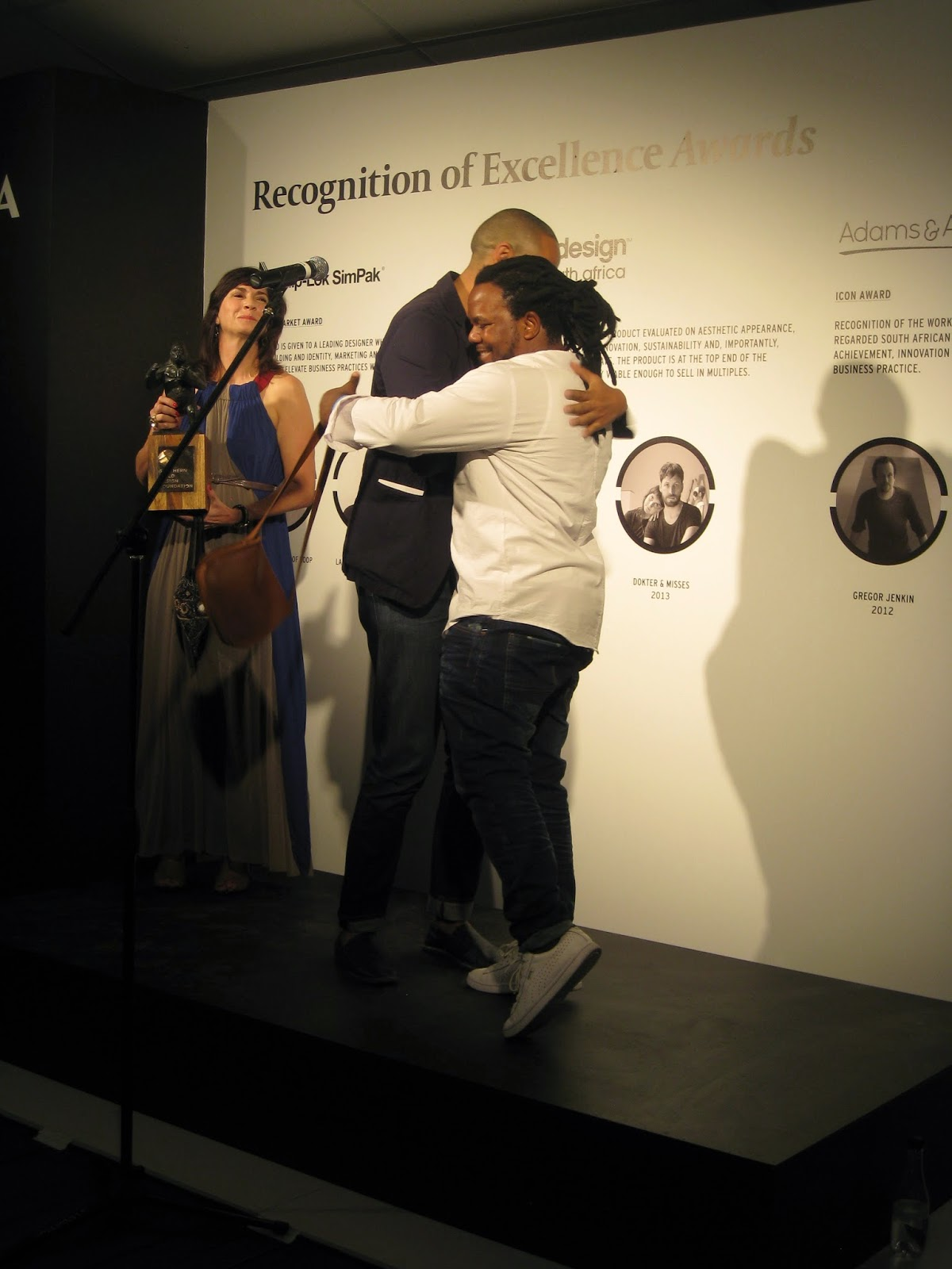 Andile Dyalvane bekommt den Icon Award