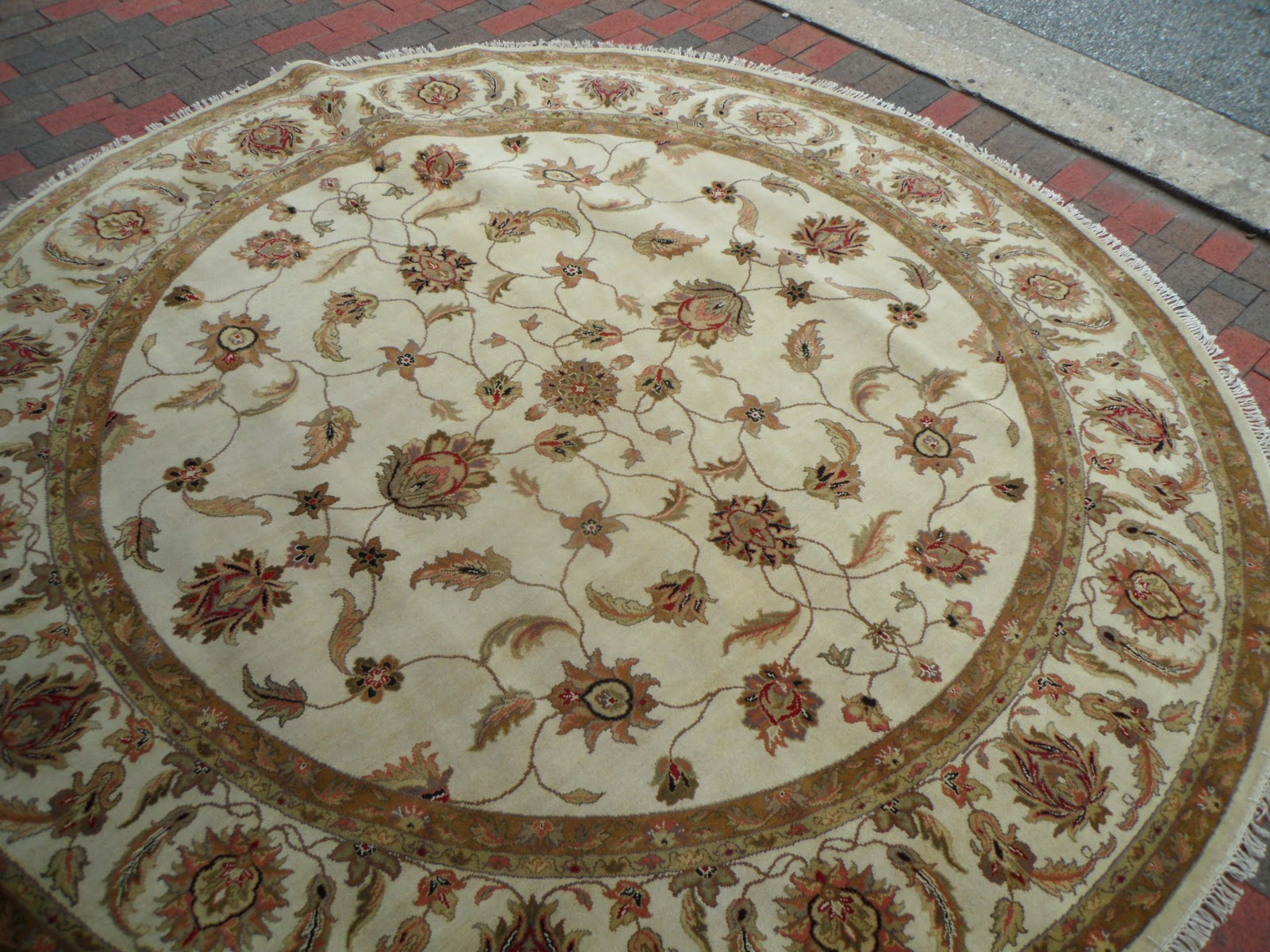 At Main Street Oriental Rugs, We Have A Very Large Selection Of Many  Different Types Of Rugs, Including Round Rugs.