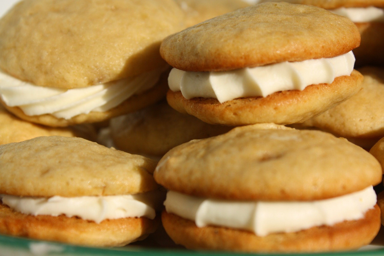 Rah Cha Chow: Banana Whoopie Pies with Cream Cheese Frosting