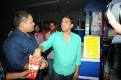 Race Gurram Premier and Press Meet-thumbnail-20