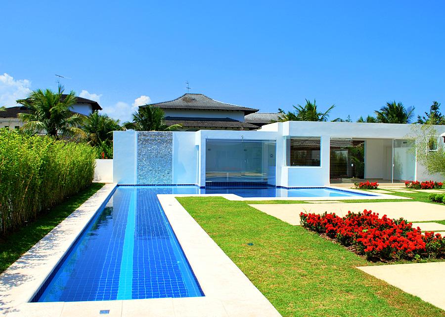 Medidas de piscinas de casas plano de casa amplia y de - Medidas de piscinas de casas ...