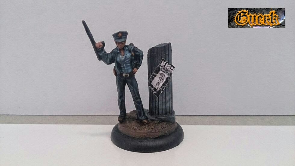 Galeria de Guerk Police+woman-mujer+policia-knight+model-35mm-+batman+miniature+game-+batman+(5)