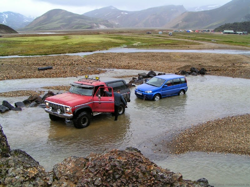 8 Person Car >> - Iceland 24 - Iceland Travel and Info Guide : Landmannalaugar travel guide