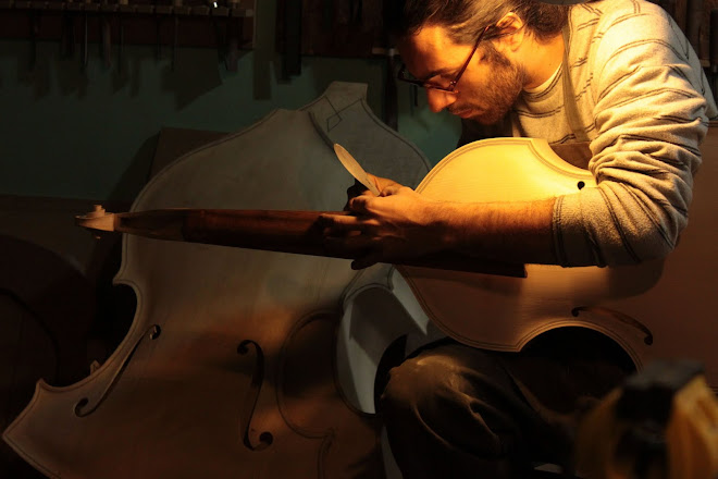 Matias Crom , Luthier.
