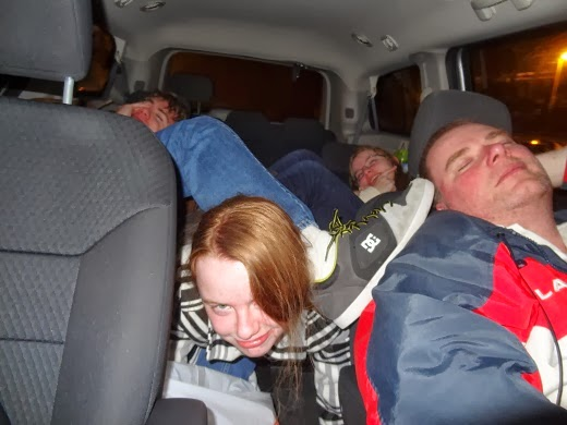 crowded van bad seating arrangement road trip