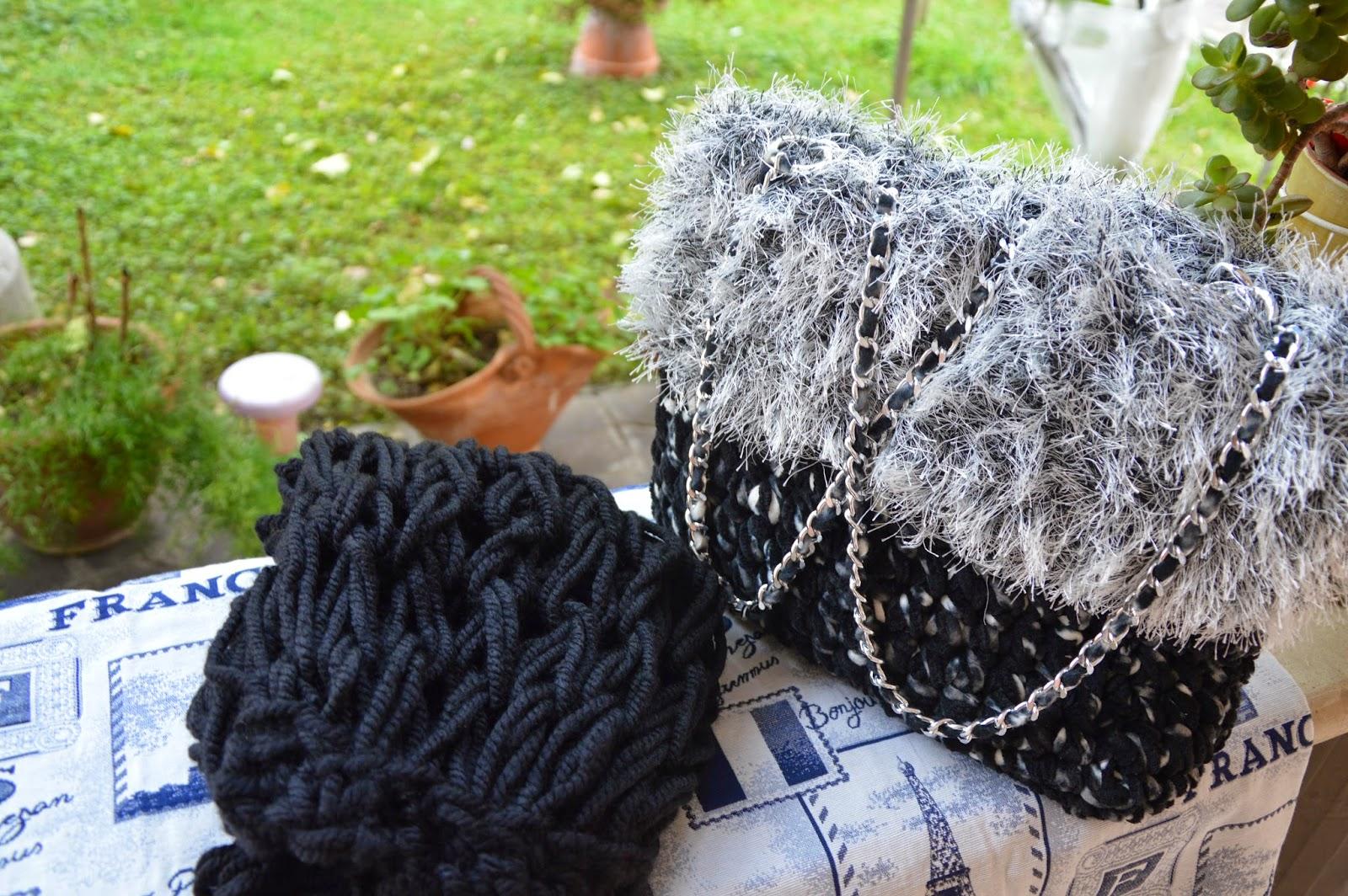 Borsa pile melange nero/bianco con ciniglia nera con bordo effetto pelliccia
