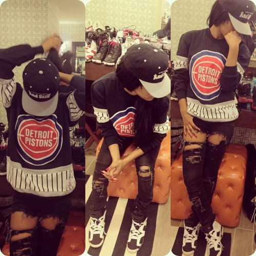 Teyana Taylor spotted wearing Air Jordan VI paired with ripped black ...