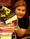 Cassie Clare Biografia