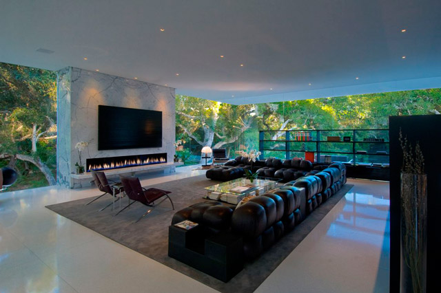 Remarkable Living Room with Fireplace and TV 640 x 426 · 73 kB · jpeg