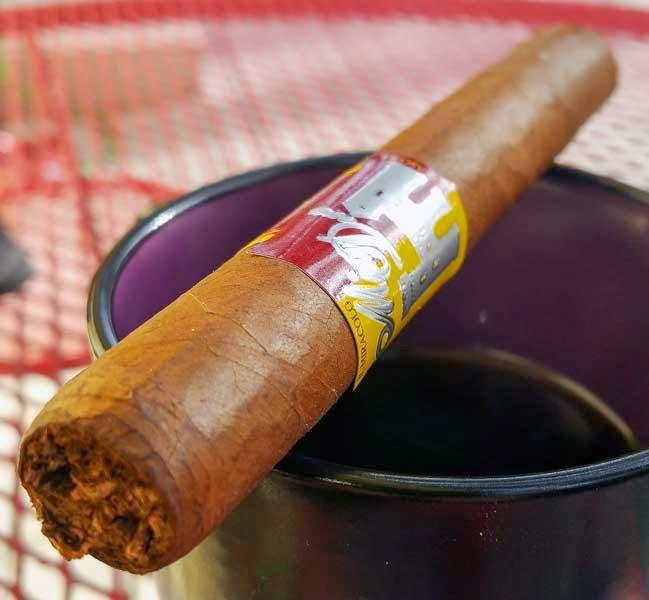 Mia Dora Corona Cigar