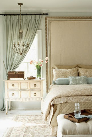 Eye for design decorate neutral interiors with a delicate for Elegant neutral bedrooms