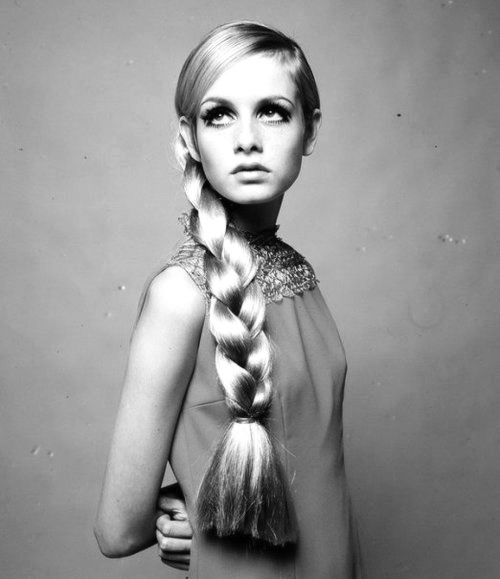 WOMEN: Twiggy