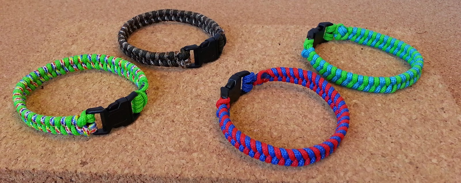 Parachute Cord Suvival Bracelets - Image courtesy of Hands On Crafts for Kids