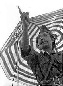 foto bung tomo saat pidato di Lapangan Mojokerto Provinsi Jawa Timur dipublis pertama kali harian Nandjang berbahasa Mandarin dan Indonesia